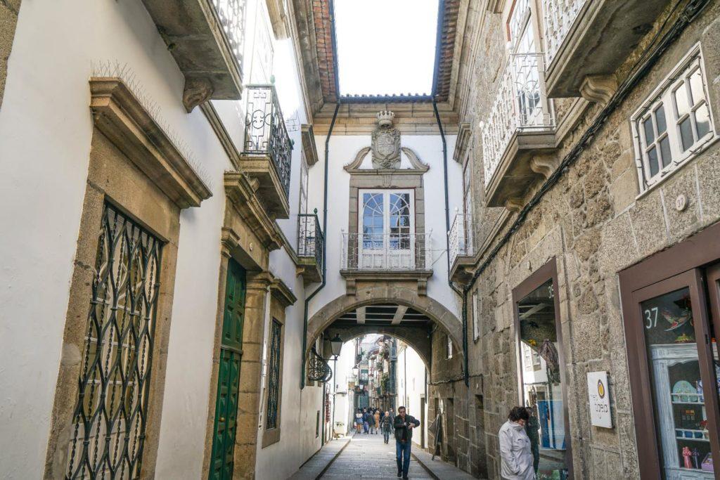Rua Santa Maria Guimarães