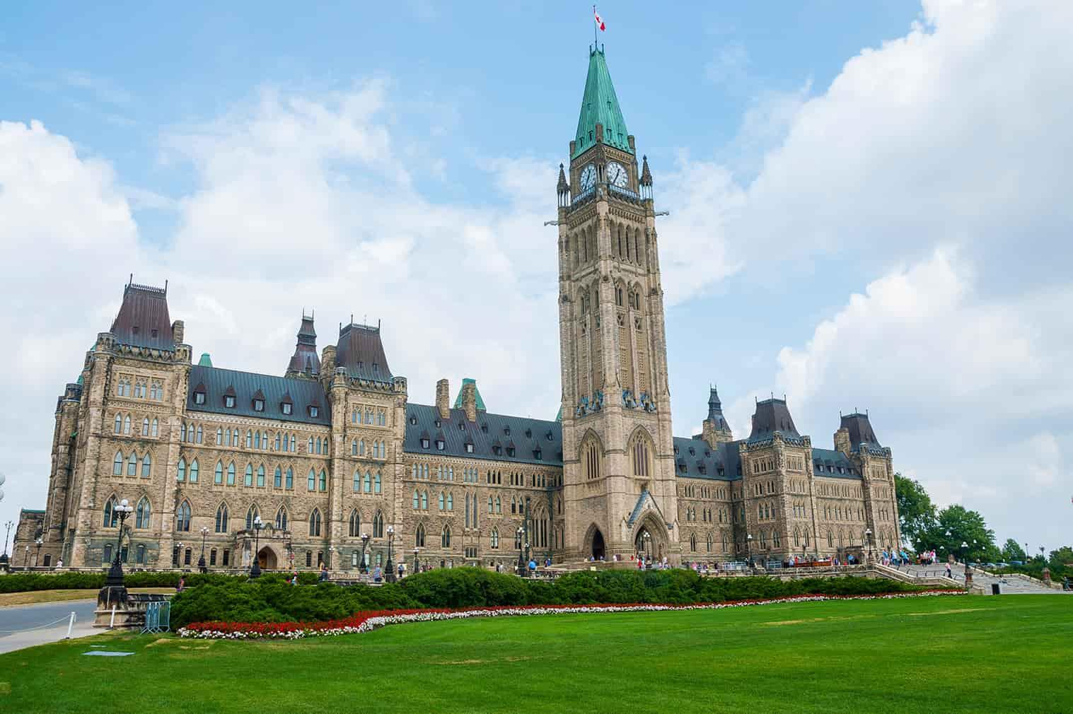 Canadá reabre fronteiras para turistas